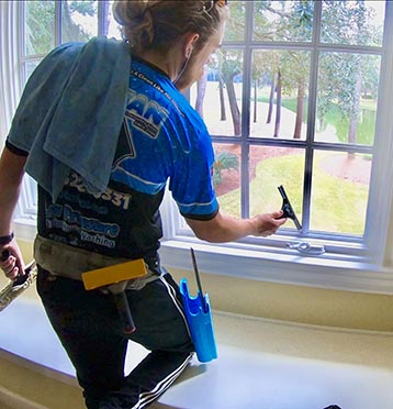 3 Reasons To Have Your Windows Cleaned By A Professional