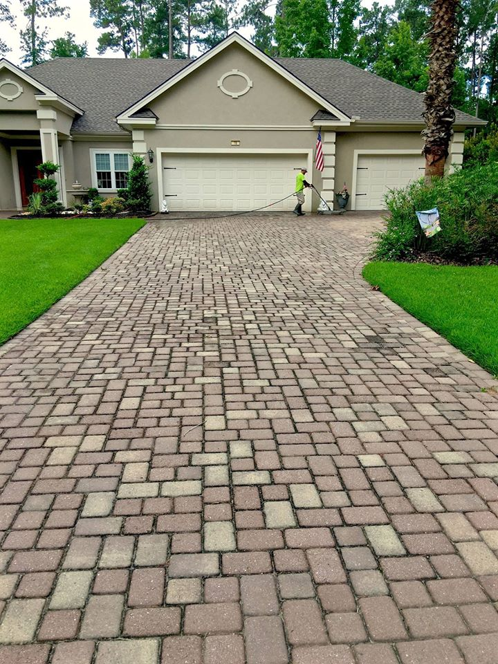 Looking For A Driveway Cleaning Service?