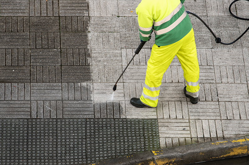 3 Reasons to Have Your Storefront Sidewalk Pressure Washed